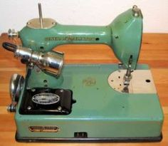 Vintage GE Sewhandy Sewing Machine General Electric Featherweight Singer Antique in Collectibles, Sewing Machines Antique Cookie Jars, Antique Sewing Machines, General Electric, Crafty, Antiques, Spinning, Projects, Fabric, Quilting
