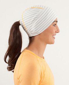 Women's Brisk Run Toque - Keep those ears warm, ladies!