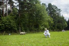 Das Lamm und er Wolf. 2014 | Das Lamm und der Wolf oder Tanz mit der Schafsfrau.  5. Juli 2014, Brunn am Walde  Nagl ~ Wintersberger 2014