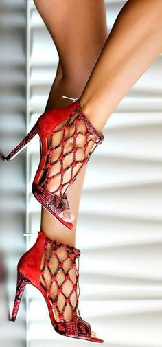 Amazing Red High Heels With Unusual Forepart