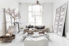 Prachtig interieur met de hanglamp van Ay Lumminate. Fotografie & Styling: Paulina Arcklin