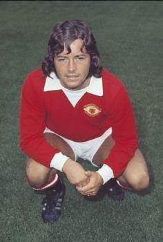 Tommy O'Neill Manchester United 1972 Manchester United Players, Football Pictures, Man United, Soccer Players, Kicks, The Unit, Seasons, 1970s, Theatre