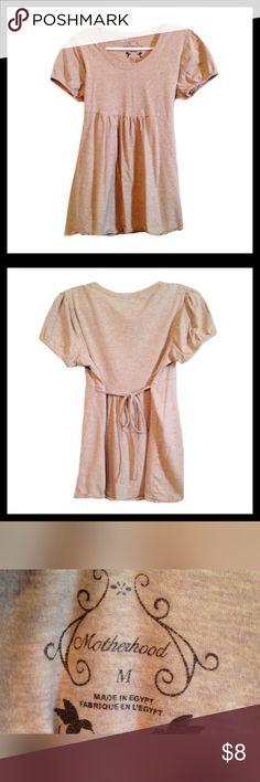 MOTHERHOOD MATERNITY Short Sleeve Shirt Gently used MOTHERHOOD MATERNITY short sleeve shirt; Ties in the back; Size medium.  *******BUNDLE AND SAVE ********* Motherhood Maternity Tops Tees - Short Sleeve