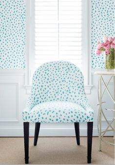 Melrose Chair from Thibaut Fine Furniture in Tanzania printed fabric in Turquoise Turquoise Wallpaper, Home Interior, Interior Design, Sweet Home Design, Ideias Diy, Home Decor Pictures, Fine Furniture, Cheap Home Decor, Colorful Interiors