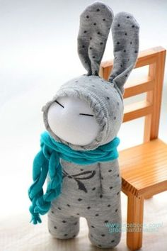 Grace-- sock doll NOTE There is no tut for this, but could make the doll w/o ears. Love the simple face and the scarf. Sewing Toys, Sewing Crafts, Sewing Projects, Sock Crafts, Fabric Crafts, Sock Bunny, Sock Toys, Sock Animals, Toy Craft