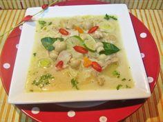 Supa tailandeza de pui cu lapte de cocos si lime - imagine 1 mare