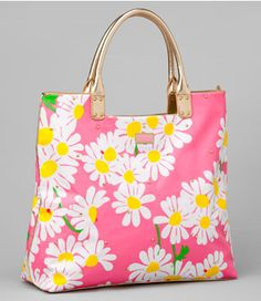 "Lilly ""Sea and Be Seen"" tote in Look Lady - so mad I didn't buy this when I had the chance. Desperately trying to find one!"