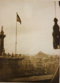 "Rare photo of the ""Irish Republic"" flag flying from the GPO during the 1916 Easter Rising Ireland 1916, Dublin Ireland, Erin Go Braugh, Irish Independence, Easter Rising, Dublin City, National Museum, Rare Photos, Irish Roots"