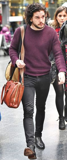 His casual pants and sweater Jude Law Style, Jon Snow, Kit Harrington, Poses For Men, Burgundy Sweater, Mens Fashion, Fashion Outfits, Jeans And Boots, Beautiful Men