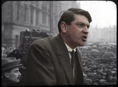 photos of Michael Collins, W. Yeats and other famous faces colour-enhanced by Irishman Matt Loughrey - Irish Mirror Online Michael Collins, Old Pictures, Old Photos, Ireland 1916, Modern History, Irish Men, Famous Faces, Revolutionaries, Year Old