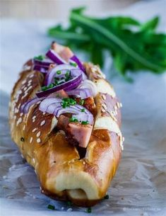 Leberkaese Recipe, Hotdog Sandwich, Low Carb Burger, Wrap Sandwiches, Canapes, Party Snacks, Hot Dog Buns, Finger Foods, Food And Drink