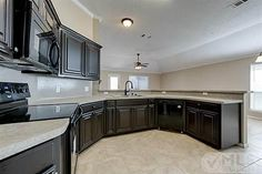 Dark kitchen cabinets <3