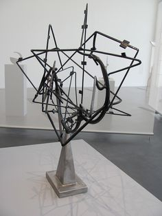 "Sculpture ""Star Cage"" [University of Minnesota, Minneapolis, USA] by David Smith Line Sculpture, Metal Art Sculpture, Steel Sculpture, Contemporary Sculpture, Modern Contemporary, Geometric Sculpture, Abstract Sculpture, David Smith Sculptor, Minneapolis Usa"
