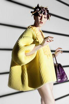 Michelle Harper in a look by Xiao Li. [Photo by Lee Wei Swee] Knitwear Fashion, Knit Fashion, Vogue Fashion, Fashion News, Fashion Art, Fashion Design, Fashion Trends, Paris Fashion, Xiao Li