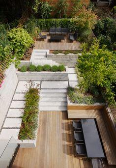 Urban Garden Design Gable House by Edmonds Lee Architects Modern Landscape Design, Modern Garden Design, Backyard Garden Design, Small Backyard Landscaping, Modern Landscaping, Patio Design, Backyard Patio, Backyard Ideas, Garden Ideas