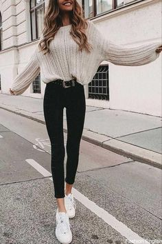 32 Charming Fall Street Style Outfits Inspiration to Make You Look Cool this Sea. - 32 Charming Fall Street Style Outfits Inspiration to Make You Look Cool this Season Source by tobieboleyad - Winter Fashion Outfits, Look Fashion, Fashion Spring, Womens Fashion, Fashion Trends, Winter Outfits Tumblr, Tumblr Outfits, Latest Fashion, Fashion Black
