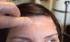 50 Unusual Ways To Use Vaseline Vaseline Eyelashes, Le Contouring, Kitchen Island With Stove, Lower Back Pain Exercises, Margot Fonteyn, Petroleum Jelly, Split Ends, Combination Skin, Beauty