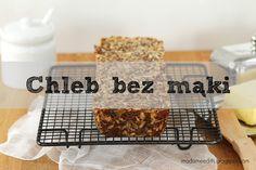 Chleb bez mąki - zrobiony praktycznie z samych ziaren i orzechów. W smaku do złudzenia przypomina klasyczny chleb razowy.