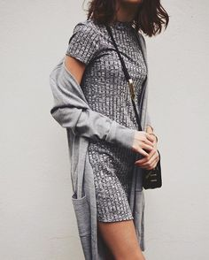 Tshirt dress - all grey outfit idea / casual work outfit or weekend style