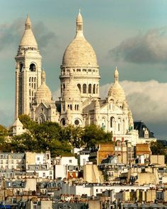Visit Montmartre And See A Different Side Of Paris Monuments, Paris France Travel, Romantic Paris, Travel Advisory, Van Living, Adventure Is Out There, Street Artists, Travel Goals, Amazing Architecture