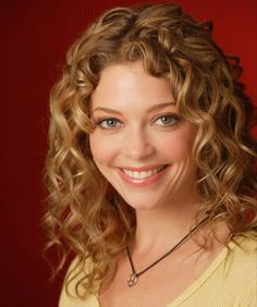 4 Hair Curl Tips & How to Maintain Curly Hair