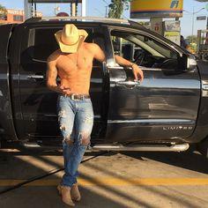 Country Man, Tight Jeans Men, Cowboys Men, Hot Guys Tattoos, Cowboy Outfits, Cowboy Outfit For Men, Scruffy Men, Just Beautiful Men, Hot Men
