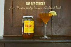 BEE STINGER COCKTAIL + KENTUCKY BOURBON COCKTAIL BOOK REVIEW // Distilerista