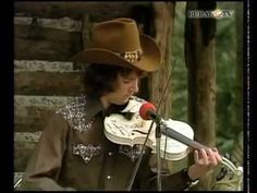 """Best 13-year old fiddler, Mark O'Connor plays """"Tom and Jerry"""" on the Porter Wagoner Show (1975)"""