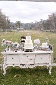 27 Amazing Wedding Cake Display and Dessert Table Ideas | http://www.deerpearlflowers.com/wedding-cake-display-dessert-table-ideas/