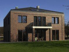 Stadtvilla roter klinker  Haus der tausend Einblicke | Ausgehen, Der körper und Würfel