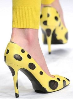 Pumps gialle a pois Moschino