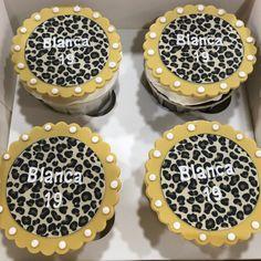 Cupcakes personalizados estampado leopardo. Cupcakes, Cookies, Cupcake Cakes, Cup Cakes, Muffin, Cupcake