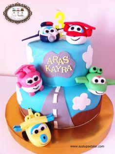 Superwings , super wings cake , harika kanatlar , harika kanatlar pastası , birthday cake
