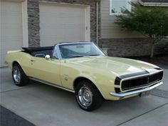 1967 Camero RS Convertible–This is what mine and my ex's Camero looked like…e… – Classic Cars 1967 Camaro, Chevrolet Camaro, Corvette, Convertible, Classic Car Insurance, Chevy Muscle Cars, Sweet Cars, American Muscle Cars, Mellow Yellow