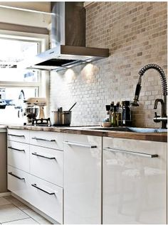 trendy ideas for kitchen wall units ideas exposed brick Kitchen Tiles, Kitchen Inspirations, New Kitchen, Kitchen Style, Kitchen, Kitchen Diner, Kitchen Design, Kitchen Remodel, Kitchen Dining Room