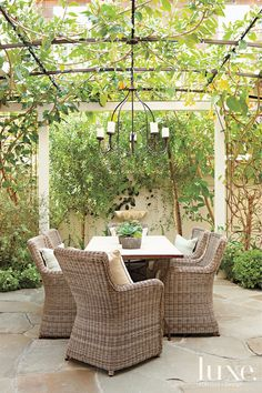 Trellis Designs You Have to See to Believe | LuxeDaily - Design Insight from the Editors of Luxe Interiors + Design
