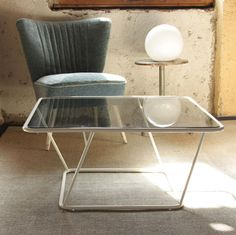 Tough, Colourful Glass Side Tables by Sebastian Frank for produkte + gestaltung | MONOQI