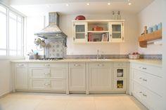 כשחומר פוגש עיצוב: הצצה למטבחים מעוצבים   בניין ודיור