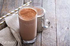 Spice meets sweet in this delicious Cinnamon Mocha treat, made with SlimFast Advanced Nutrition Creamy Chocolate Smoothie Mix. Protein Smoothies, Smoothie Proteine, Easy Smoothies, Strawberry Smoothie, Detox Breakfast, Breakfast Smoothies, Breakfast Recipes, Smoothies With Almond Milk, Morning Food