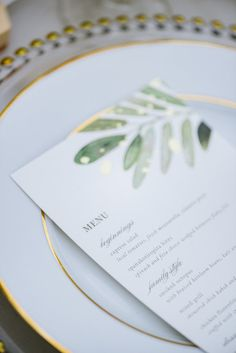 Vintage Wedding Vintage Green and Gold Wedding Inspo - Elegant, sophisticated and absolutely swoon-worthy — today's styled shoot will leave you with day dreams of white barns, romantic can. Green Wedding Invitations, Wedding Menu Cards, Wedding Table Settings, Wedding Stationary, Invites, Gold Bridesmaids, Bridesmaid Dresses, Wedding Collage, Emerald Green Weddings