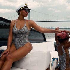 Beyoncé et Blue Ivy font matcher leur costume de bain | HollywoodPQ.com