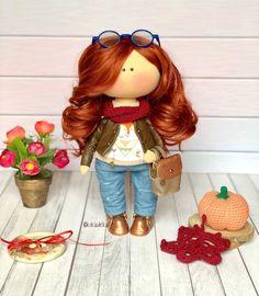 Особую слабость испытываю к рыжеволосым дамам😍🤩 Как бесконечно жаль, что таких кукол редко заказывают(😞 ⠀ Это просто восторг! Яркая, стильная, неповторимая! 🤩  #куклы_анастасиилаз #куклы_анастасиилаз_портретные #кукла #рыжуля #рыжаянебестыжая #кукланазаказ #handmade #куклаизткани #интерьер #декор #doll #handmadedoll #instadoll #instamama #decor #interiordoll #madewithlove Red Dolls, Christmas Ornaments, Holiday Decor, Christmas Jewelry, Christmas Decorations, Christmas Decor