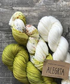 Lovely Alegría color combo that we have found in the @olya_doupack feed!😊 From left to right: Spirulina, Orla and Natural colors. . .…