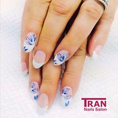 fresh flower #trannails #nageldesign #nagelstudioerbach #nailart #wallofnails #gel #manicure