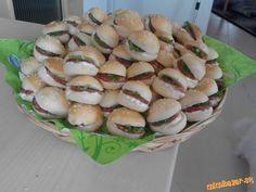 mini hamburgeriky Sushi, Snacks, Mini, Ethnic Recipes, Pizza, Food, Appetizers, Essen, Meals