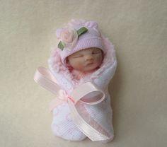 "Teeny Tiny ""Madison"" by Lovinclaydolls, Cute Little Baby, Little Doll, Little Babies, Polymer Clay Dolls, Polymer Clay Miniatures, Reborn Dolls, Reborn Babies, Mini Bebidas, Homemade Dolls"