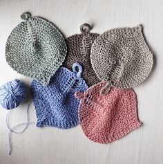 Ravelry: Bodhi Leaf Washcloth pattern by Julia Farwell-Clay Knitting Projects, Crochet Projects, Bodhi Leaf, I Cord, Knit Picks, Field Guide, Washing Clothes, Free Knitting, Clothing Patterns