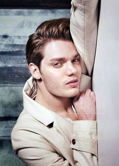 Dominic sherwood for Bello magazine Dominic Sherwood Shadowhunters, Shadowhunters Series, Shadowhunters The Mortal Instruments, Vampire Academy, Vampires, Clary E Jace, Fangirl, Jace Lightwood, Jamie Campbell Bower