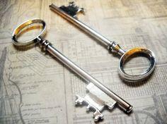 Big KeysLarge Skeleton KeySilver Key by theslipperypearl on Etsy, $3.50