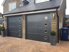 Metal garage doors - The paint on your ascending garage door does not require a professional. If the door is properly prepared before painting, you can Garage Door Handles, Metal Garage Doors, Custom Garage Doors, Garage Door Springs, Metal Garages, Custom Garages, Home Interior Design, Interior And Exterior, Garage Door Spring Replacement